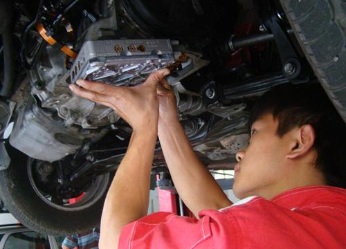宝马车自动变速箱维修